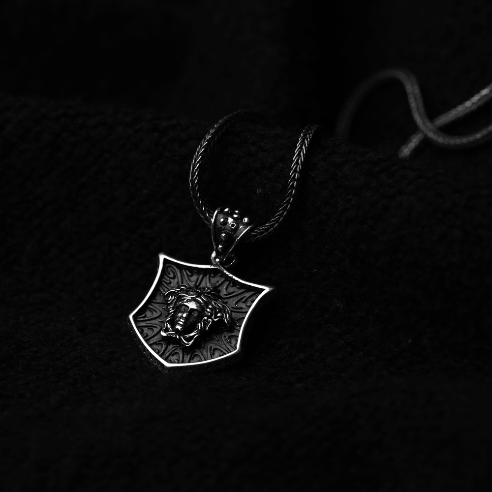 Medusa Head Charm Men Flat Curbed Chain Wholesale Handmade 925 Sterling Silver Men Necklace